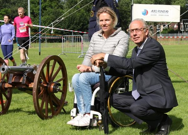 Burgemeester Molkenboer en Esther Vergeer